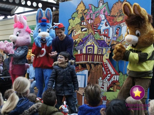 Kindershow, kindershows, kindershows boeken, kindershow huren, kinderprogramma, kinderprogramma's, kindervoorstelling, kindervoorstellingen, poppentheaters, poppenkasten, kinderentertainment, clowns, clownshows, kinder goochelaars, kinderartiesten. kindershow met bobo