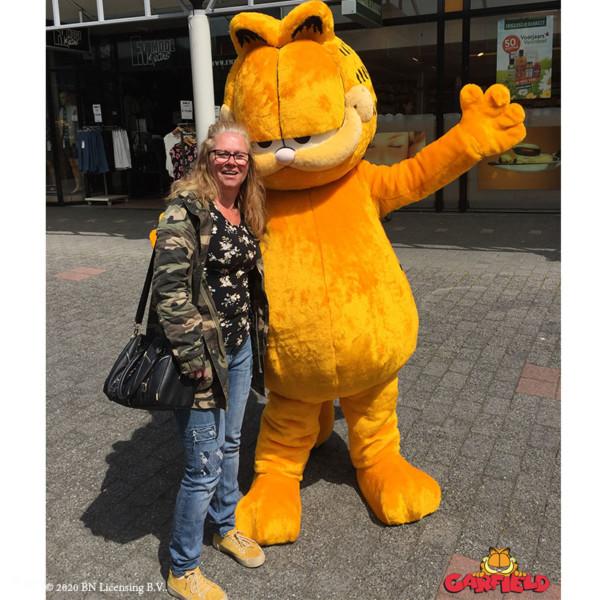 Garfield, Garfield huren, Garfield inhuren, Meet en greet, Meet & Greet, kinderentertainment, tv karakter inhuren, winkelcentrumpromotie, looppop inhuren, bekende kinderfiguren inhuren, boeken kinderentertainment