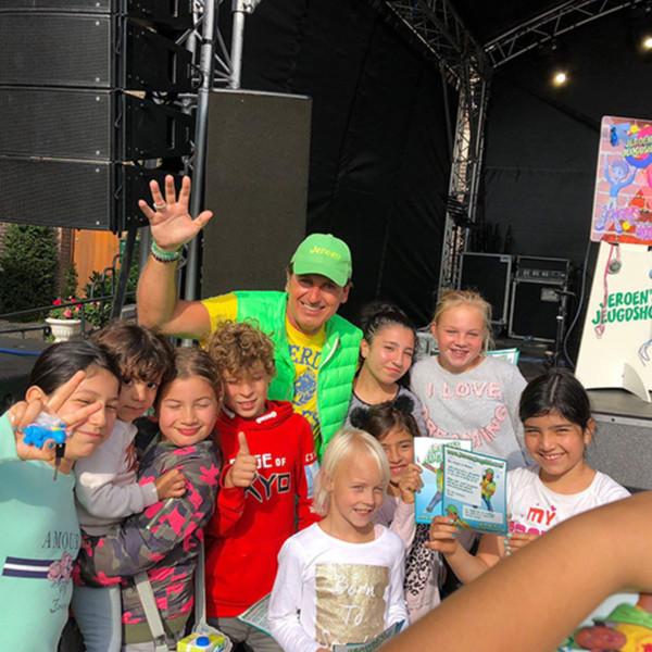 Kindershow, kindershow huren, kindershow inhuren, winkelcentrumpromotie, entertainment voor kinderen, bedrijfsfeest, open dag, festival, Jeroen's Jeugdshow