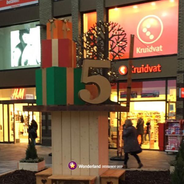 Winkelcentrum decoraties, winkelcentrumdecoratie, seizoensdecoratie, kerstdecoraties, winkelcentrumpromotie, zomerdecoratie, Sinterklaas decoratie
