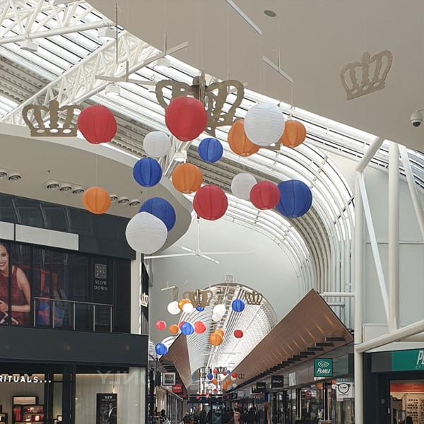 Oranje decoratie, Winkelcentrum decoraties, winkelcentrumdecoratie, seizoensdecoratie, kerstdecoraties, winkelcentrumpromotie, zomerse decoratie